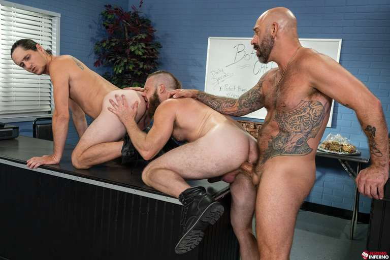 Brian Bonds, Drew Sebastian, Tony Orlando - Gay Fisting Threesome - Photo 2
