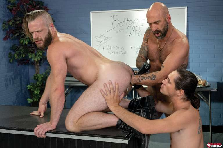 Brian Bonds, Drew Sebastian, Tony Orlando - Gay Fisting Threesome - Photo 6
