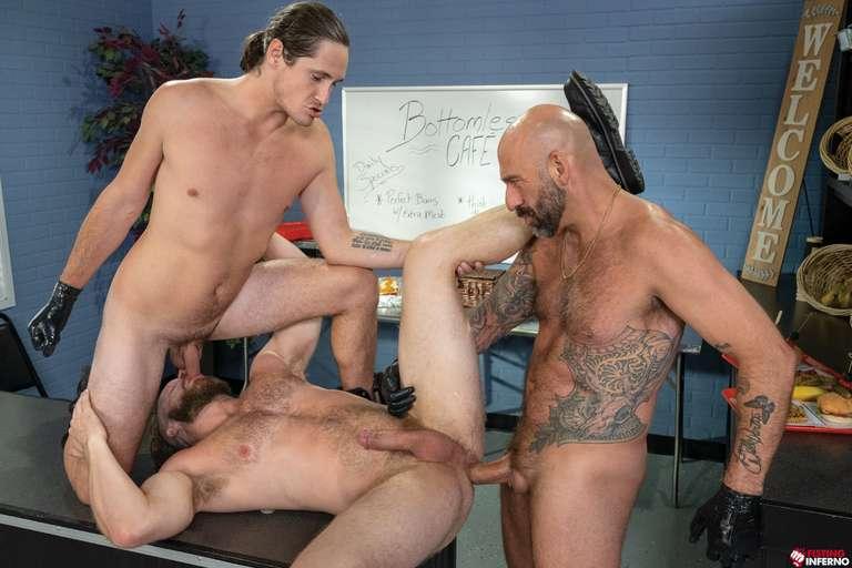 Brian Bonds, Drew Sebastian, Tony Orlando - Gay Fisting Threesome - Photo 12